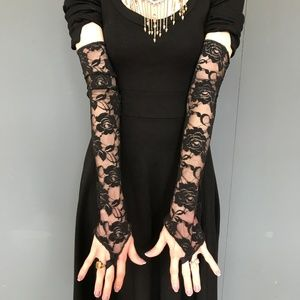 Trixy Xchange Elbow Length Black Lace Gloves